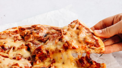 Vegan Pizza Lovers Rejoice: One Planet Pizza Debuts Their Revolutionary Pull-Worthy Cheese