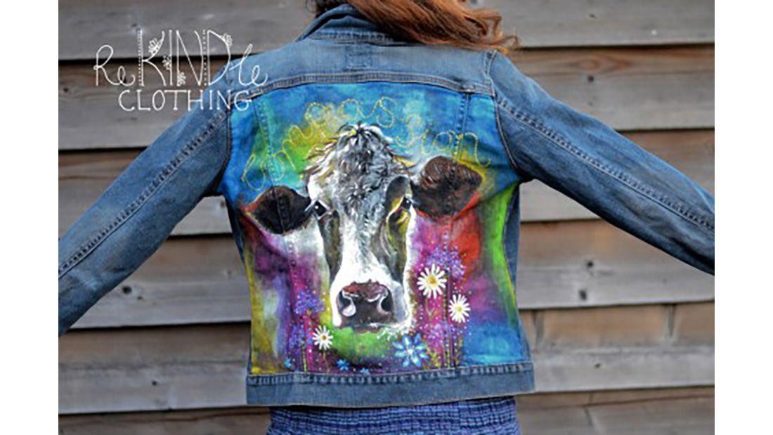 Lisa Skelly colourful cowjpg