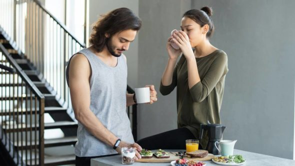 couple eating healthy breakfast