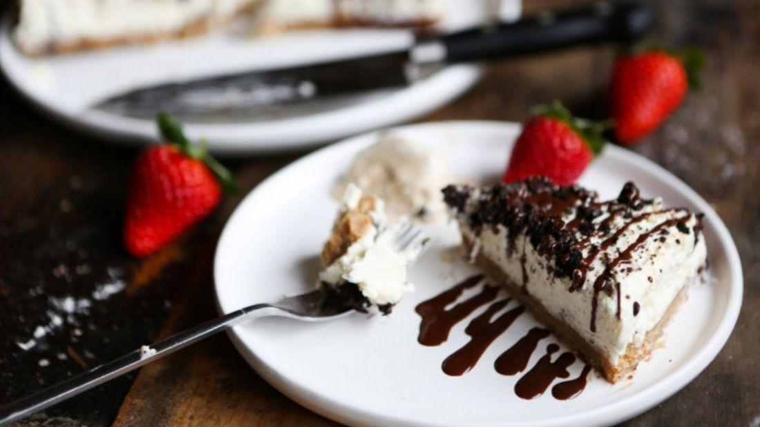 No-bake Light & Fluffy Vanilla Cheesecake